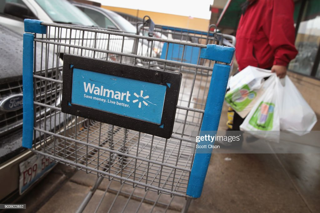 Walmart To Raise Its Minimum Raise To 11 Dollars An Hour : News Photo