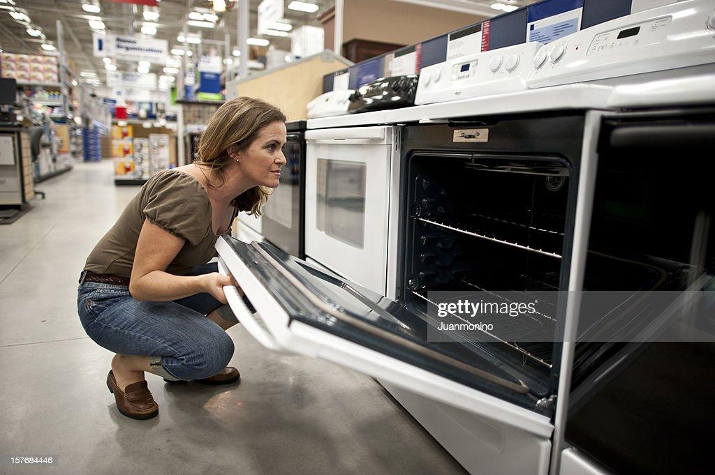 shopping pour une nouvelle cuisine cuisinière : Photo