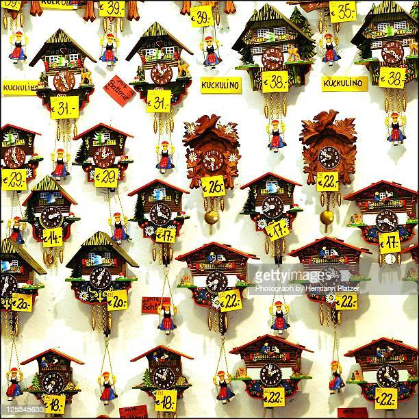 Shopping for cuckoo clocks
