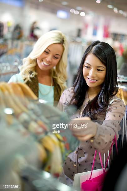 shopping friends
