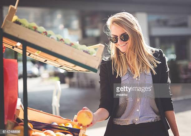 Shopping fruits