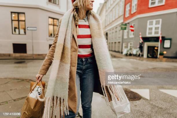 shopping i staden - köpenhamn bildbanksfoton och bilder