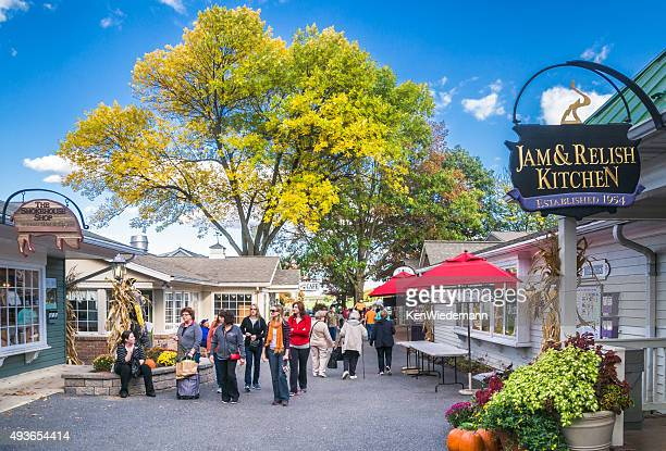 shopping kitchen kettle village - lancaster county pennsylvania stock pictures, royalty-free photos & images