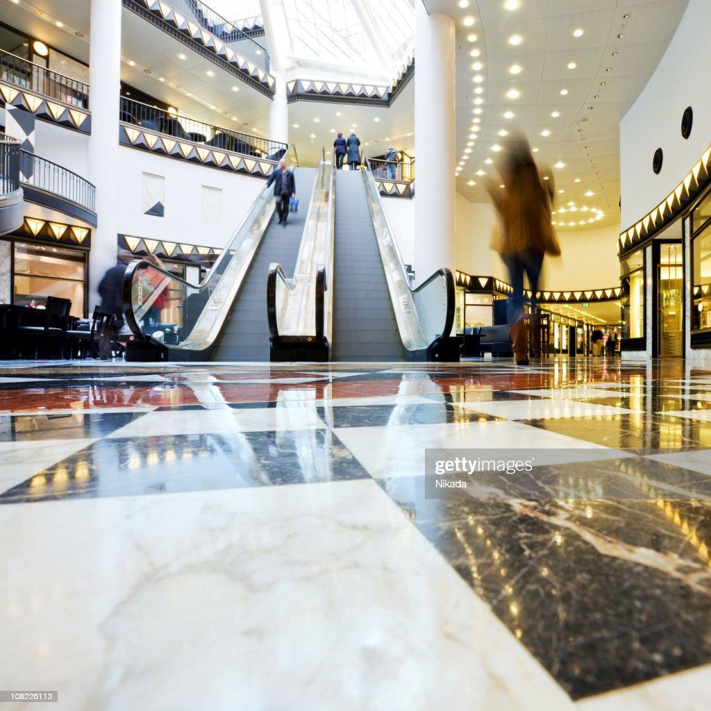 Centro comercial mall : Foto de stock