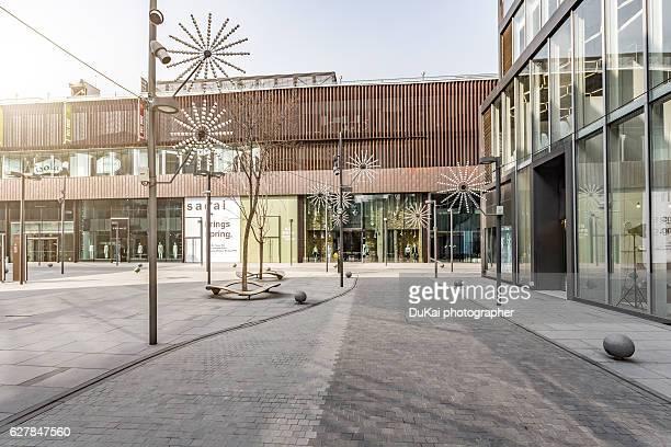 shopping mall - fachada supermercado imagens e fotografias de stock