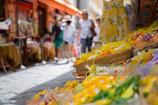 shopping on via c cesario, sorrento, campania, italy, europe - sorrento stock pictures, royalty-free photos & images