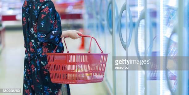 ショッピング街 - 冷凍食品 ストックフォトと画像