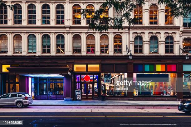 shopping street in philadelphia - facade stock pictures, royalty-free photos & images