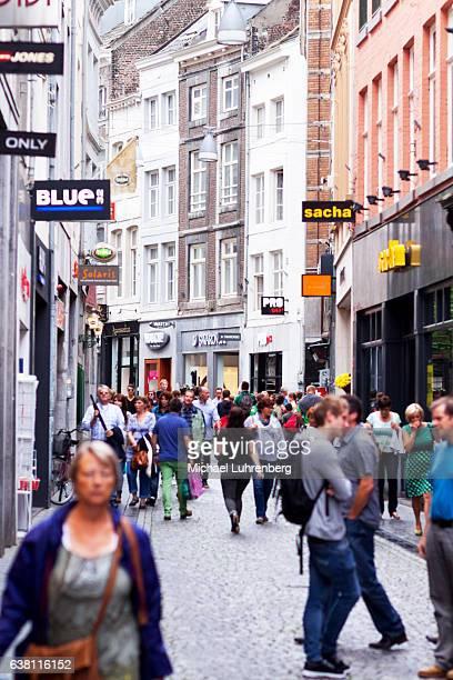 Shopping street Kleine Straat in Maastricht