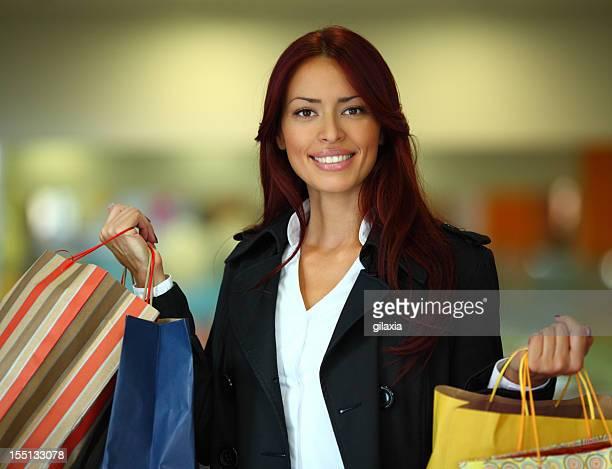lo shopping. - gilaxia foto e immagini stock