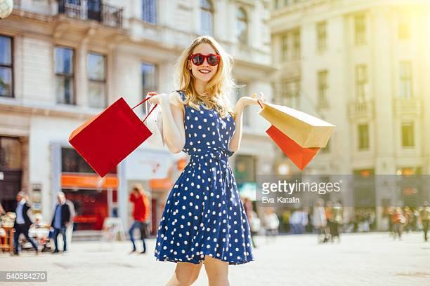Einkaufen Frau in der Stadt
