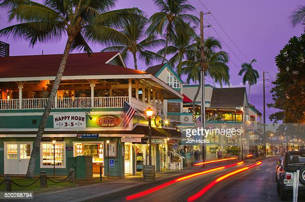 shops and restaurants along front street - lahaina stock pictures, royalty-free photos & images