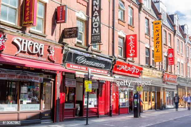 ロンドンの「ブリッ クレーンのショップやレストラン
