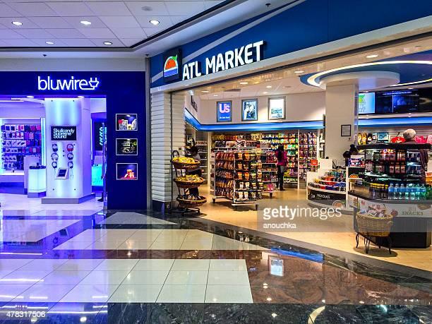 lojas no aeroporto de atlanta, eua - equipamento de lazer - fotografias e filmes do acervo