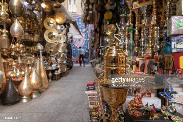 shops in khan el-khalili in cairo, egypt - kairo stock-fotos und bilder