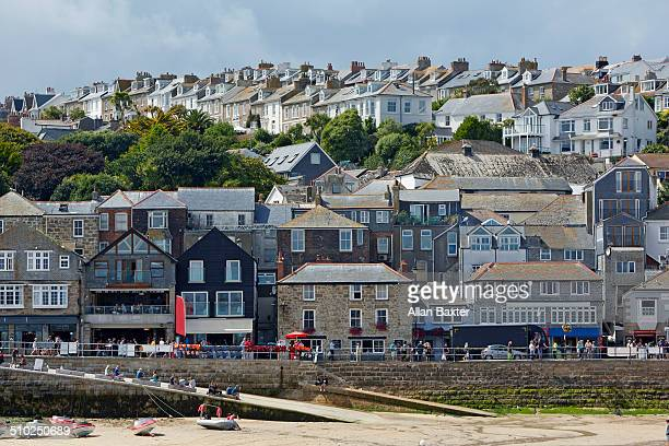 shorefront of st ives in cornwall - st. ives cornwall stock pictures, royalty-free photos & images