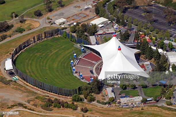 shoreline amphitheatre - shoreline amphitheatre mountain view stock photos and pictures