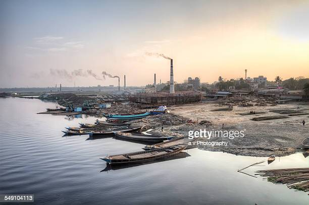 shoreline of the river turag - dhaka stock pictures, royalty-free photos & images