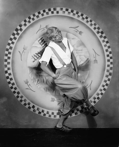 UNS: Roaring 20s Through The Female Photographers' Eyes: Madame d'Ora And Ruth Harriet Louise