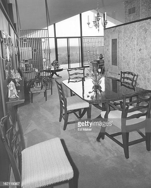 JUN 7 1961 AUG 5 1961 Short Harold Flatiron Head Walls of white quartz contrast with paneled walls in dining area and family room Window wall gives...