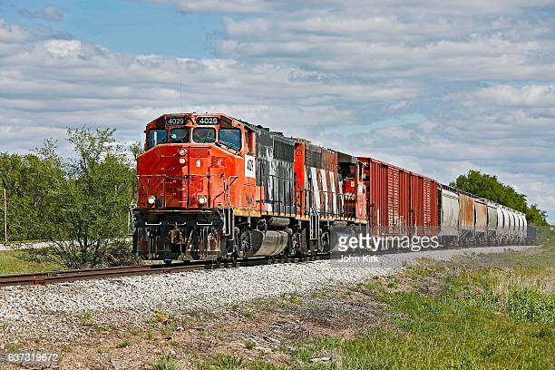 short line railroad train operating in kansas - rail freight stock pictures, royalty-free photos & images
