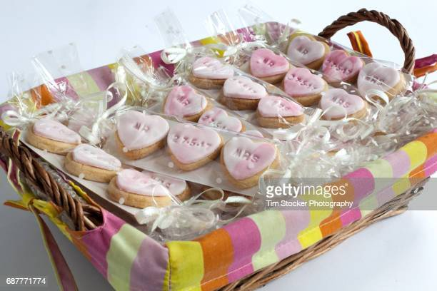 shortbread wedding favours - doing a favor stock pictures, royalty-free photos & images