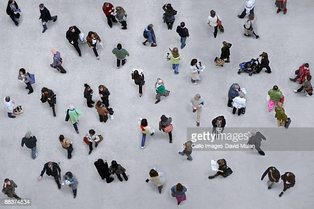shot of many pedestrians from above. - stadsplein stockfoto's en -beelden