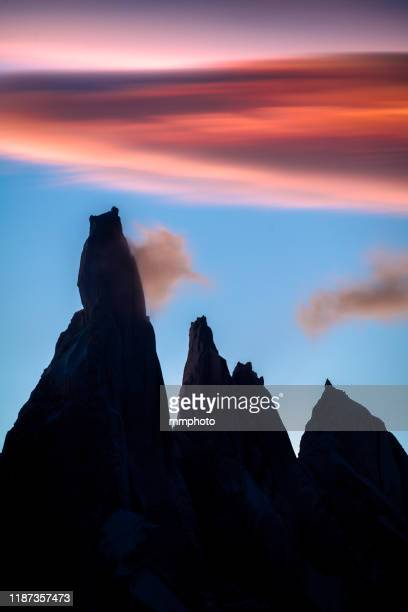 shot of mt.cerro torre at sunset,  patagonia, argentina - cerro torre stock-fotos und bilder