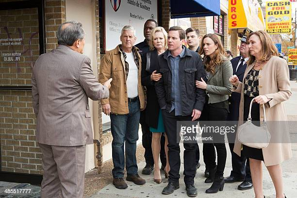 SIRENS 'Shotgun Wedding' Episode 109 Pictured Lenny Clarke as Johnny's Dad Kevin Daniels as Hank St Clare Jean Smart as Johnny's Mom Michael Mosley...
