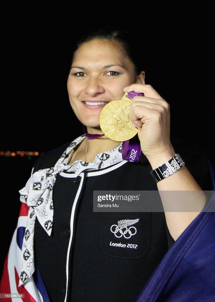 Valerie Adams Gold Medal Ceremony