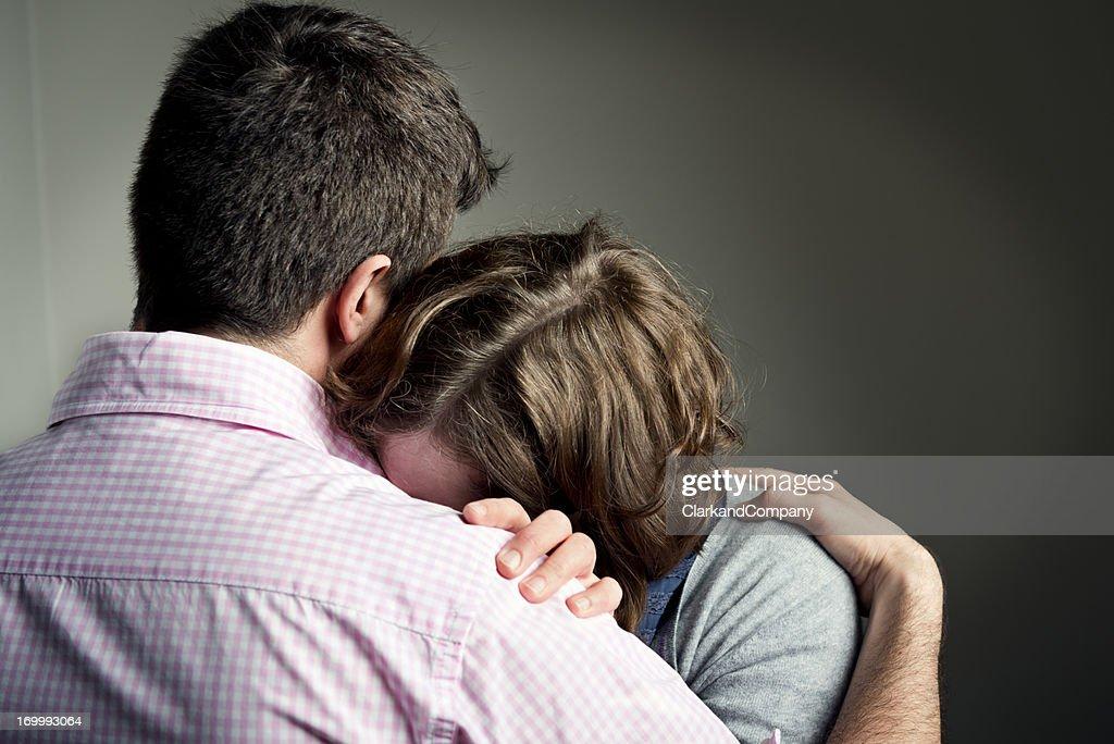 Ombro chorar sobre : Foto de stock