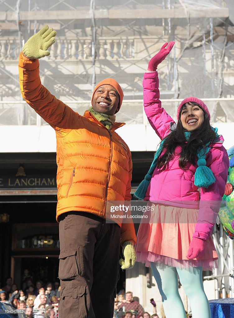 Shout and Kiki of The Fresh Beat Band wave to fans as they