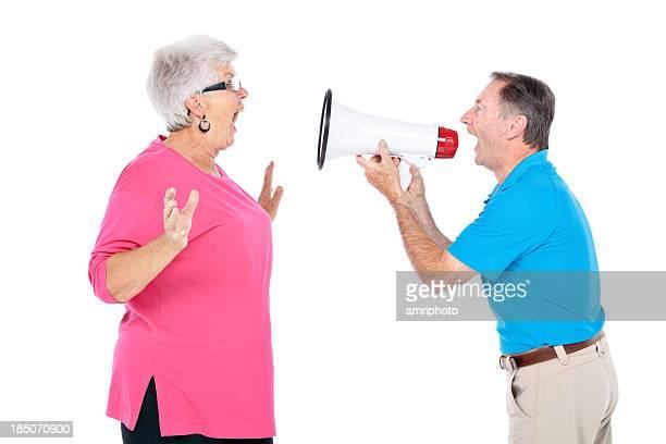 Crier à l'autre