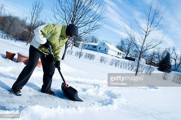 Shoveling 冬の雪