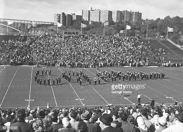 show at stadium ground, (b&w), elevated view - intermission stock pictures, royalty-free photos & images
