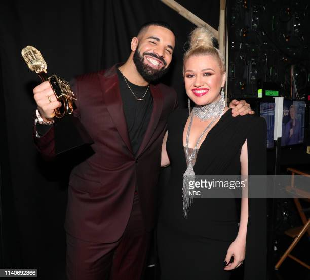 AWARDS Show Backstage 2019 BBMA at the MGM Grand Las Vegas Nevada Pictured Drake Kelly Clarkson Host