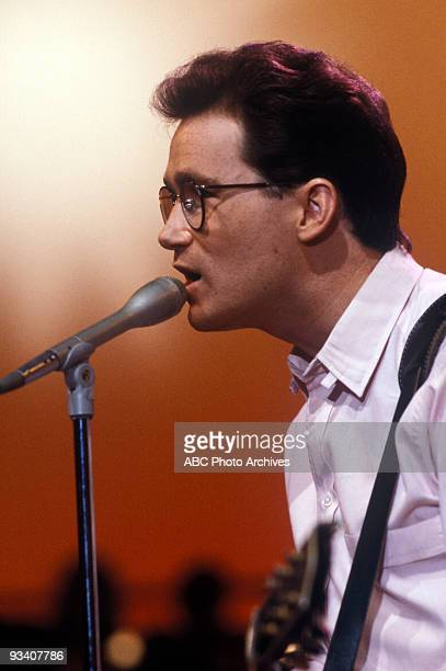 BANDSTAND Show Coverage 9/1/83 Marshall Crenshaw on the ABC Television Network dance show 'American Bandstand'