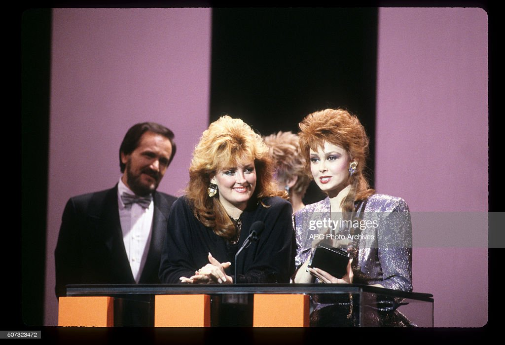 January 26, 1987  AND NAOMI JUDD AS THE JUDDS, FAVORITE