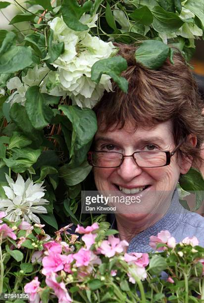 Show goers buy plants on the last day of the Chelsea Flower Show on May 23 2009 in London The Royal Horticultural Society flagship flower show has...