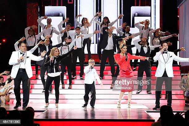 Daniel Sarcos Ana María Polo Jonael Santiago Litzy and Gabriel Coronel on stage during the 2015 Premios Tu Mundo at the American Airlines Arena in...