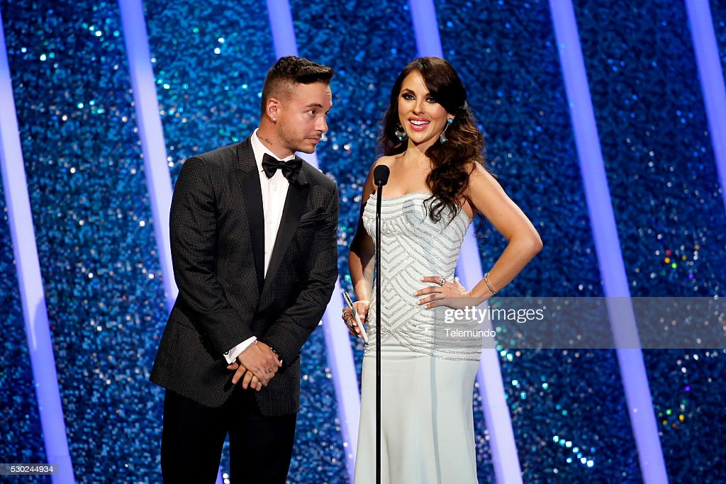 Vanessa Villela (L) and J Balvin on stage during the 2014 Billboard Latin Music Awards, from Miami, Florida at the BankUnited Center, University of Miami �� April 24, 2014 -- (Photo by: John Parra/Telemundo/NBCU Photo Bank via Getty Images)..PREMIOS BILLBOARD DE LA MUSICA LATINA 2014 -- Programa -- Imagen: Vanessa Villela (L) y J Balvin en el escenario de los Premios Billboard de la Musica Latina 2014 desde Miami, Florida en el BankUnited Center de la Universidad de Miami -24 de abril del 2014 --