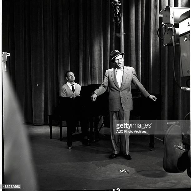Show Premiere - Airdate: October 18, 1957. L-R: BOB HOPE;FRANK SINATRA