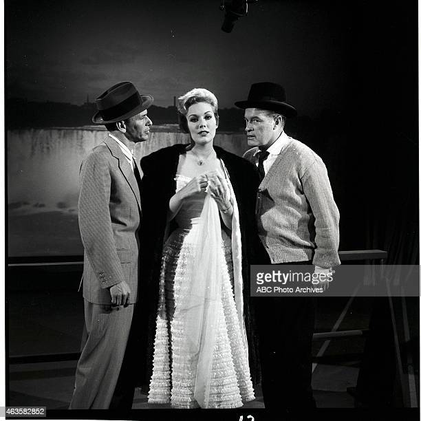 Show Premiere - Airdate: October 18, 1957. L-R: FRANK SINATRA;KIM NOVAK;BOB HOPE