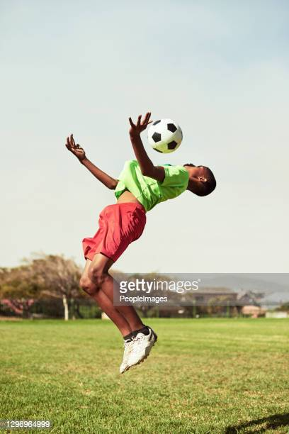 mostrando grande habilidade e agilidade - sporting term - fotografias e filmes do acervo
