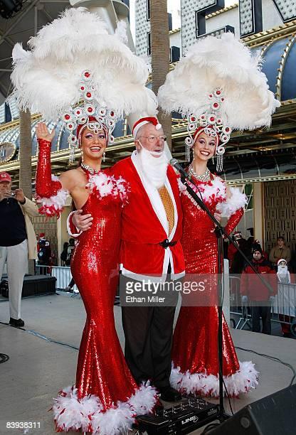 Showgirl Heather Remillard Las Vegas Mayor Oscar Goodman and showgirl Brooke Opheim appear before the start of Opportunity Village's fourth annual 5K...
