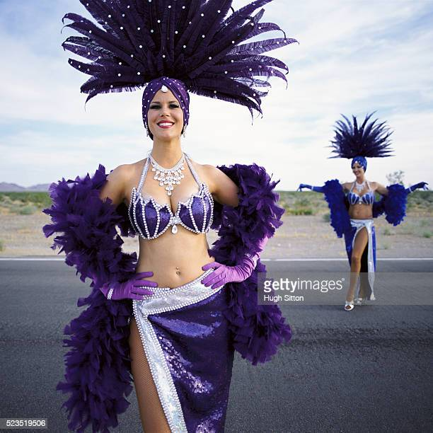 showgirls in the middle of nowhere - headdress stock pictures, royalty-free photos & images