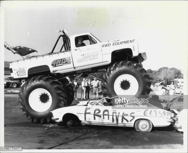 Showground 4WD ShowBruce Reilly flattens four wrecked cars with his 9 tonne 4 wheel drive May 07 1986