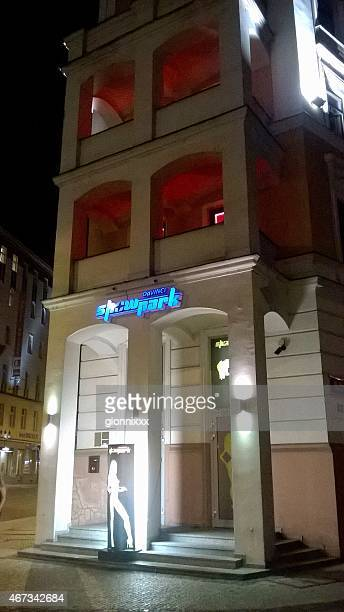 showpark nachtclub, prag, tschechische republik - bordell stock-fotos und bilder
