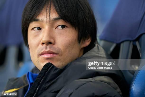 Shoya Nakajima of FC Porto looks on prior to the UEFA Europa League round of 32 second leg match between FC Porto and Bayer 04 Leverkusen at Estadio...