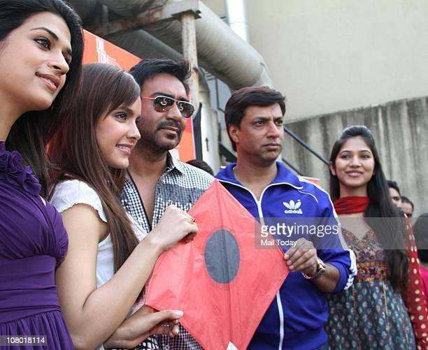 Shraddha Das Shahzan Padamsee Ajay Devgan and Madhur Bhandarkar at Makar Sankranti celebrations organised by BIG FM jockeys and 'Dil Toh Baccha Hai...